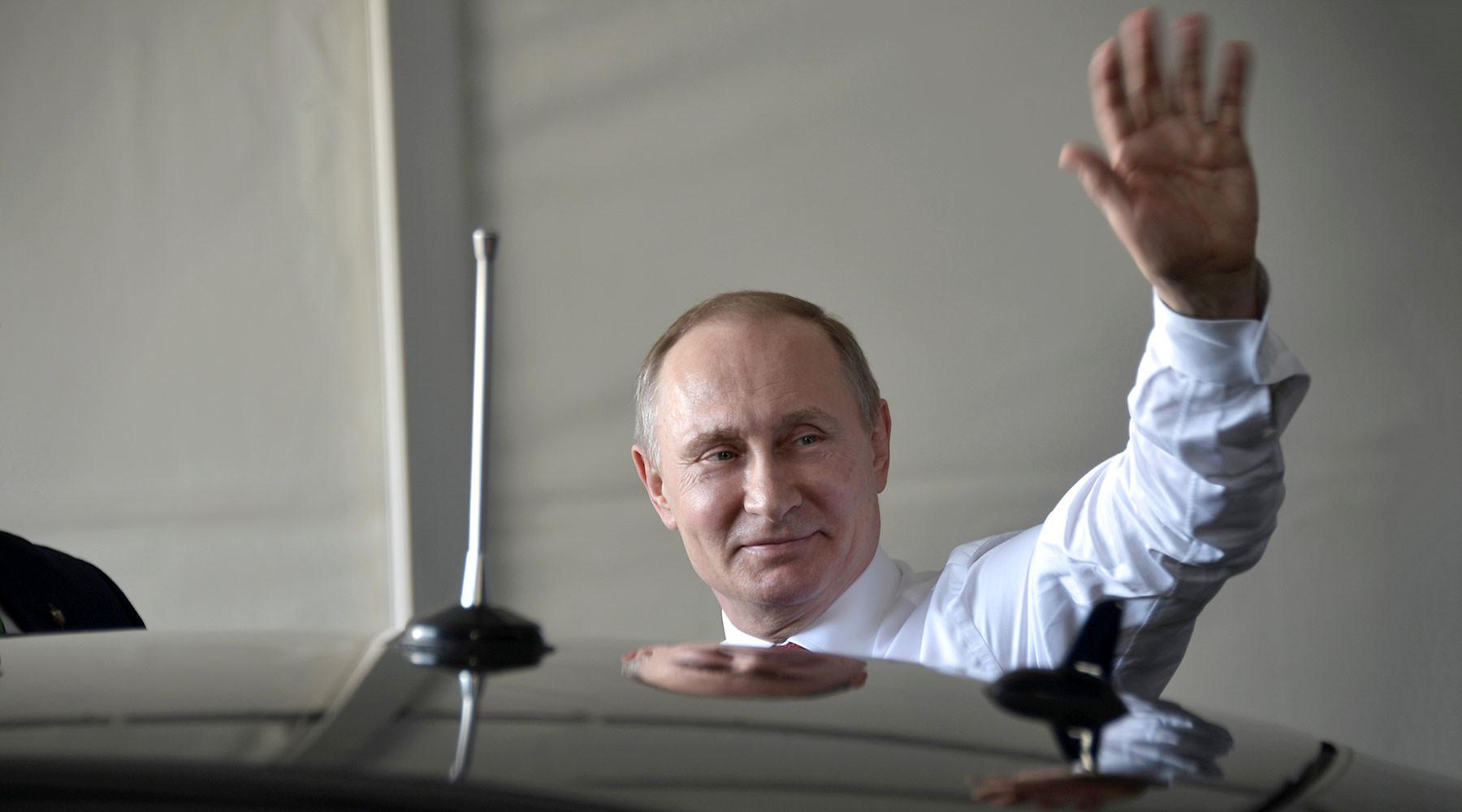 президент России откроет в Версале выставку, посвящённую Петру I