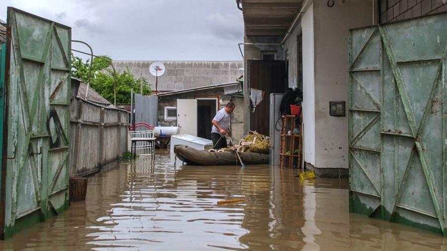 Укрощение стихии: Ставропольский край борется с последствиями крупного наводнения