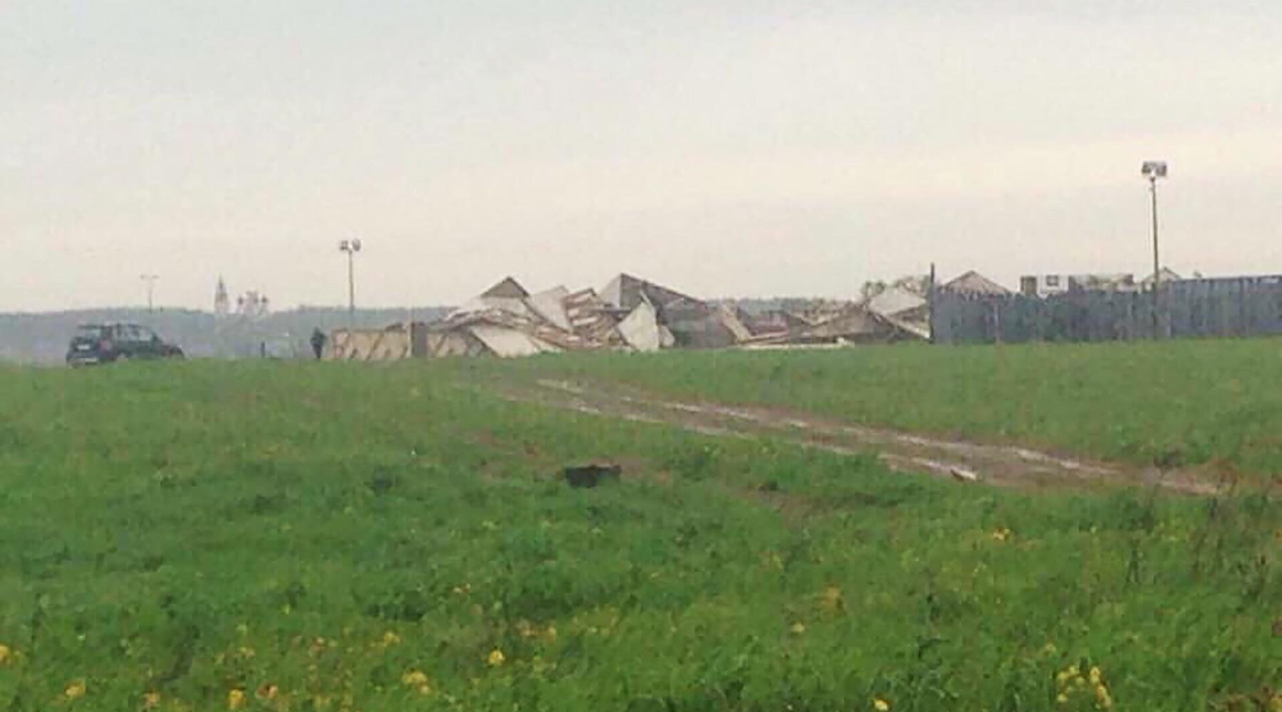 Ураган разрушил пирамиду Голода на Новорижском шоссе