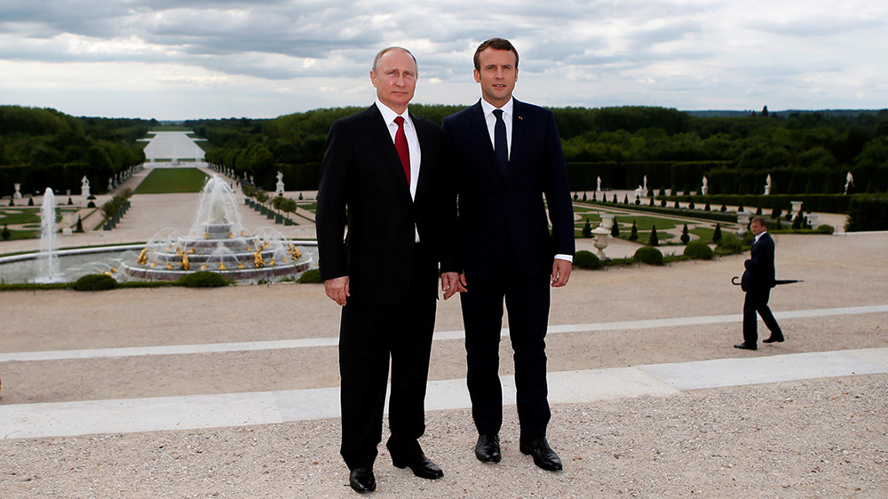 «В интересах французов и россиян»: о чём договорились в Версале Владимир Путин и Эммануэль Макрон