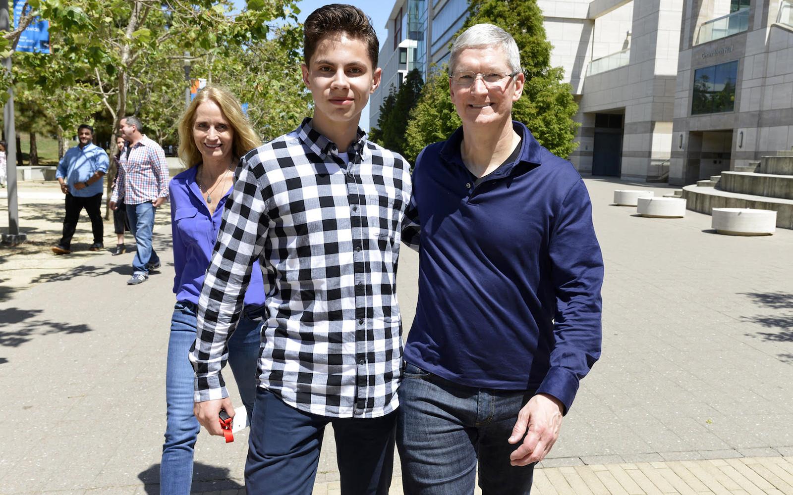 Русские студенты получили стипендии Apple
