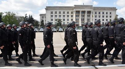 Военнослужащие украинской армии на Куликовом Поле в Одессе