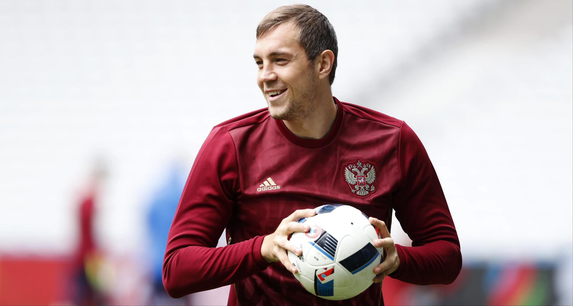 Дальше без Дзюбы: форвард не поможет сборной России на Кубке конфедераций из-за травмы