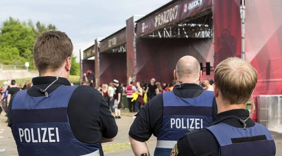 Более 80 тысяч человек эвакуированы с фестиваля Rock am Ring в Германии
