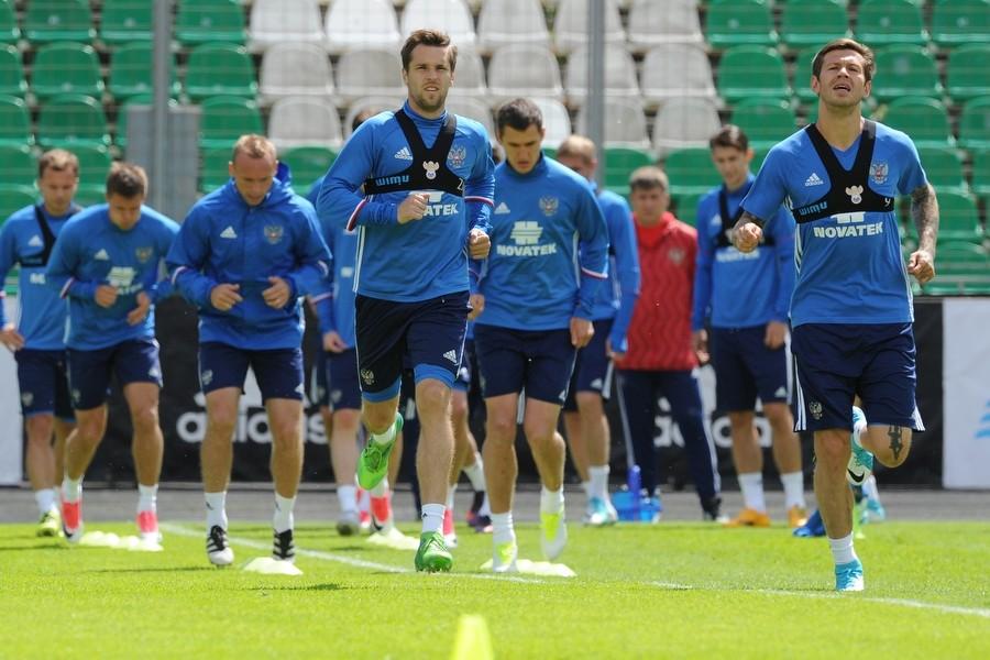Ослабленные травмами: Черчесов объявил состав сборной России по футболу на Кубок конфедераций