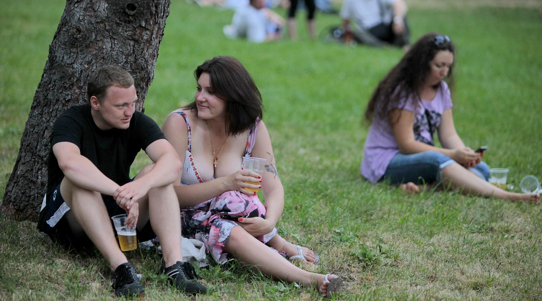 Градус ответственности: распивающих спиртное в неположенных местах предлагают проверять на алкоголизм