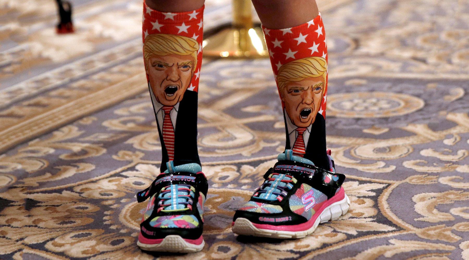 Купальники, носки, мексиканское пиво: как предприниматели зарабатывают на образе Трампа