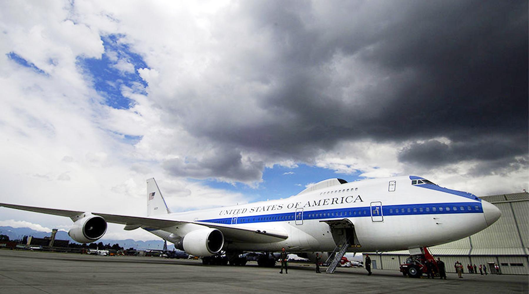 В результате шторма в США два самолёта «судного дня» получили повреждения