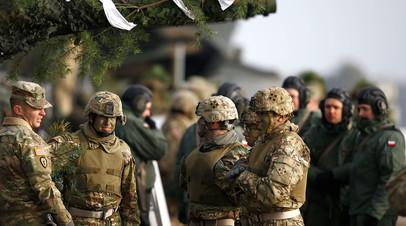 Военнослужащие США и Польши во время совместных учений в Польше
