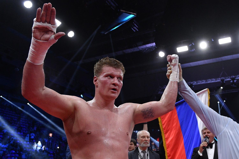 За явным преимуществом: российский боксёр Поветкин победил украинца Руденко