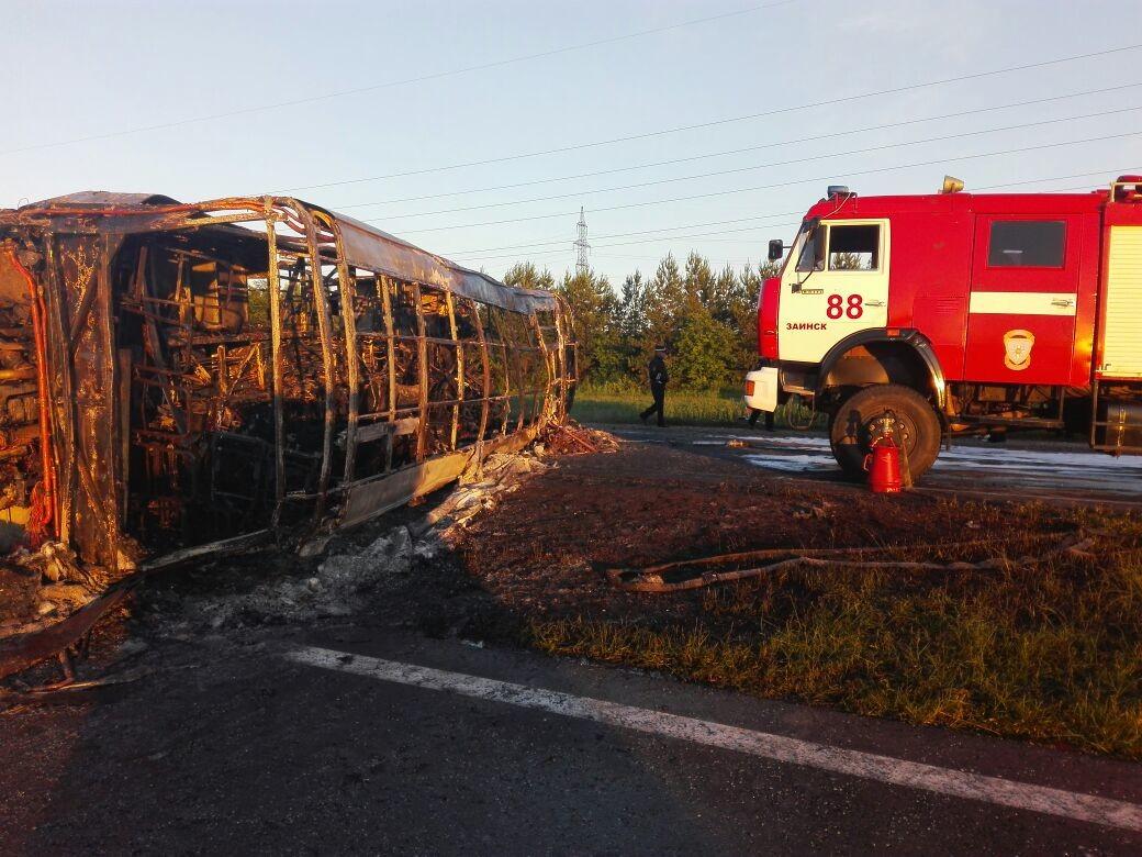 Число погибших в крупной аварии в Татарстане возросло до 13