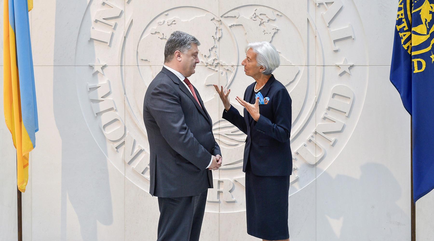 Почему Порошенко передумал проводить земельную реформу на Украине