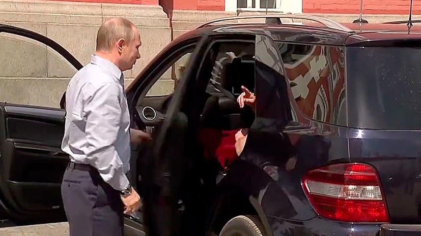 Песков рассказал, кто находился с Путиным в машине на Валааме