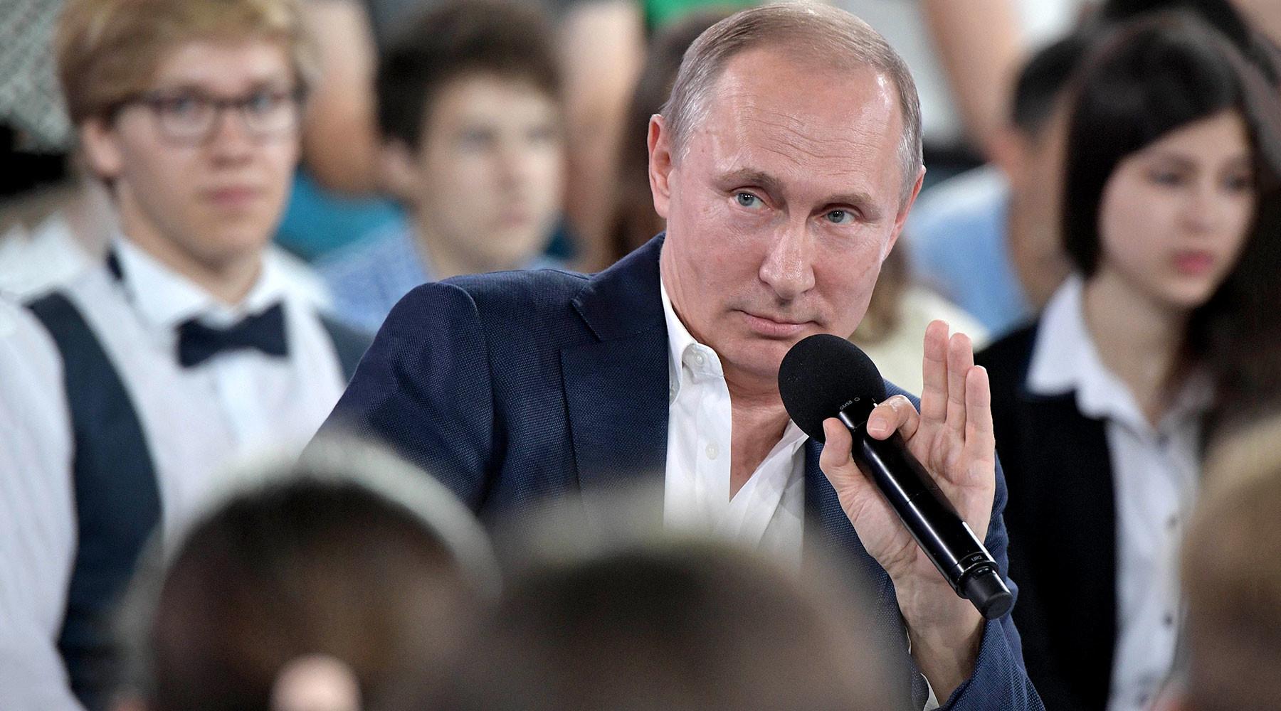 Путин о съёмках фильма-интервью американского режиссёра»