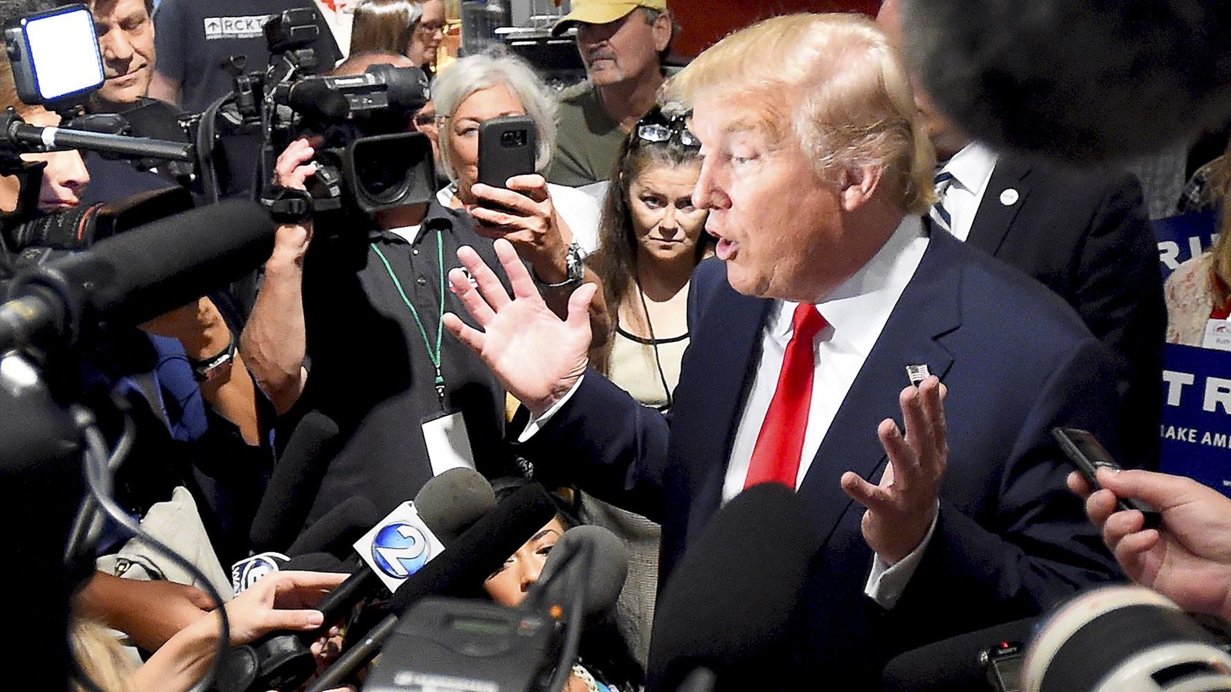 Newsweek удалил фальшивые статьи о связях Трампа и Sputnik»