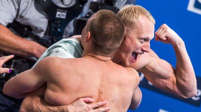 Российские прыгуны в воду Илья Захаров и Евгений Кузнецов