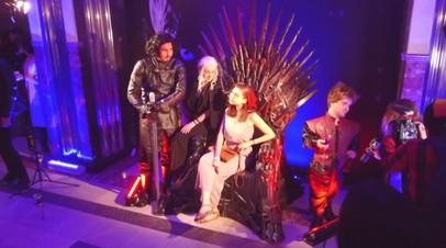 «Игра престолов» в подземелье: в московском метро показали первый эпизод нового сезона