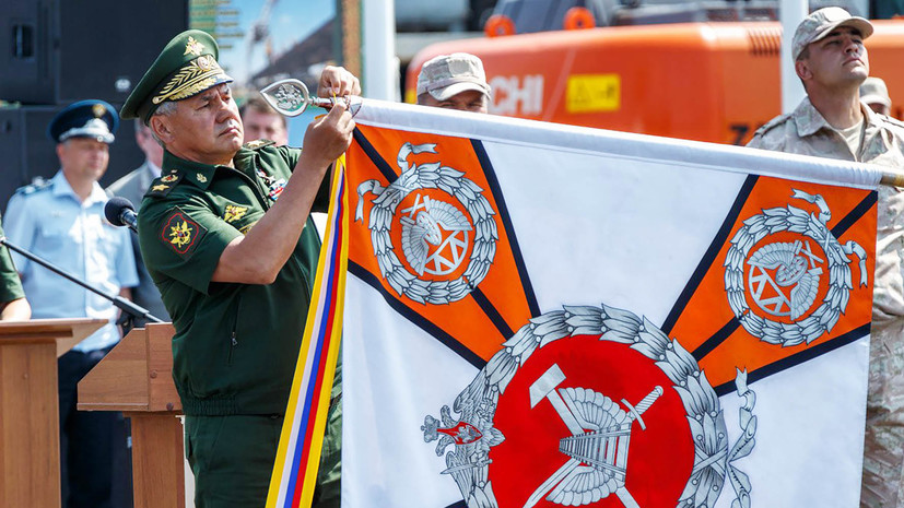 Шойгу наградил строителей железной дороги в обход Украины