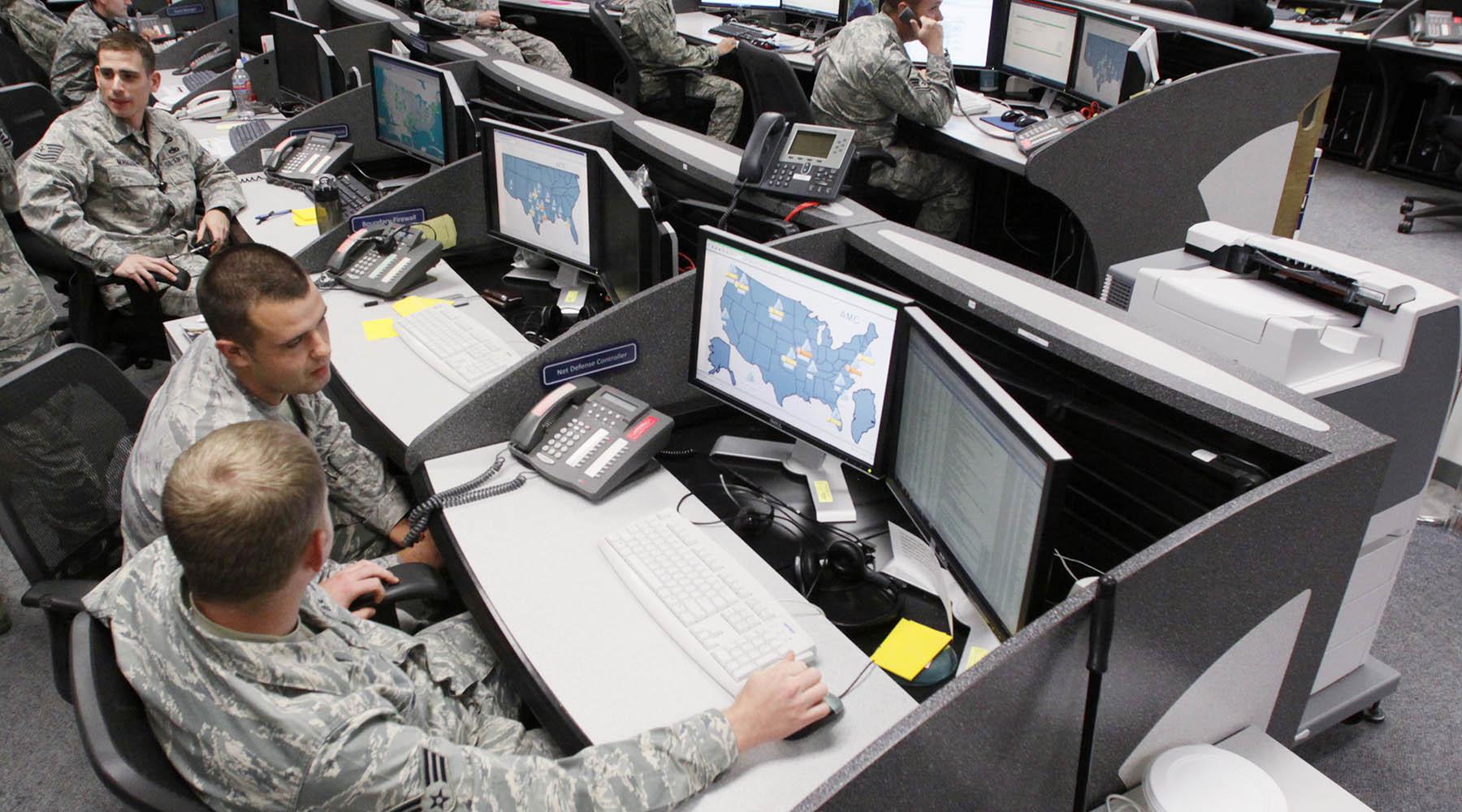 ВМС США будут мониторить соцсети на русском, английском и французском языках