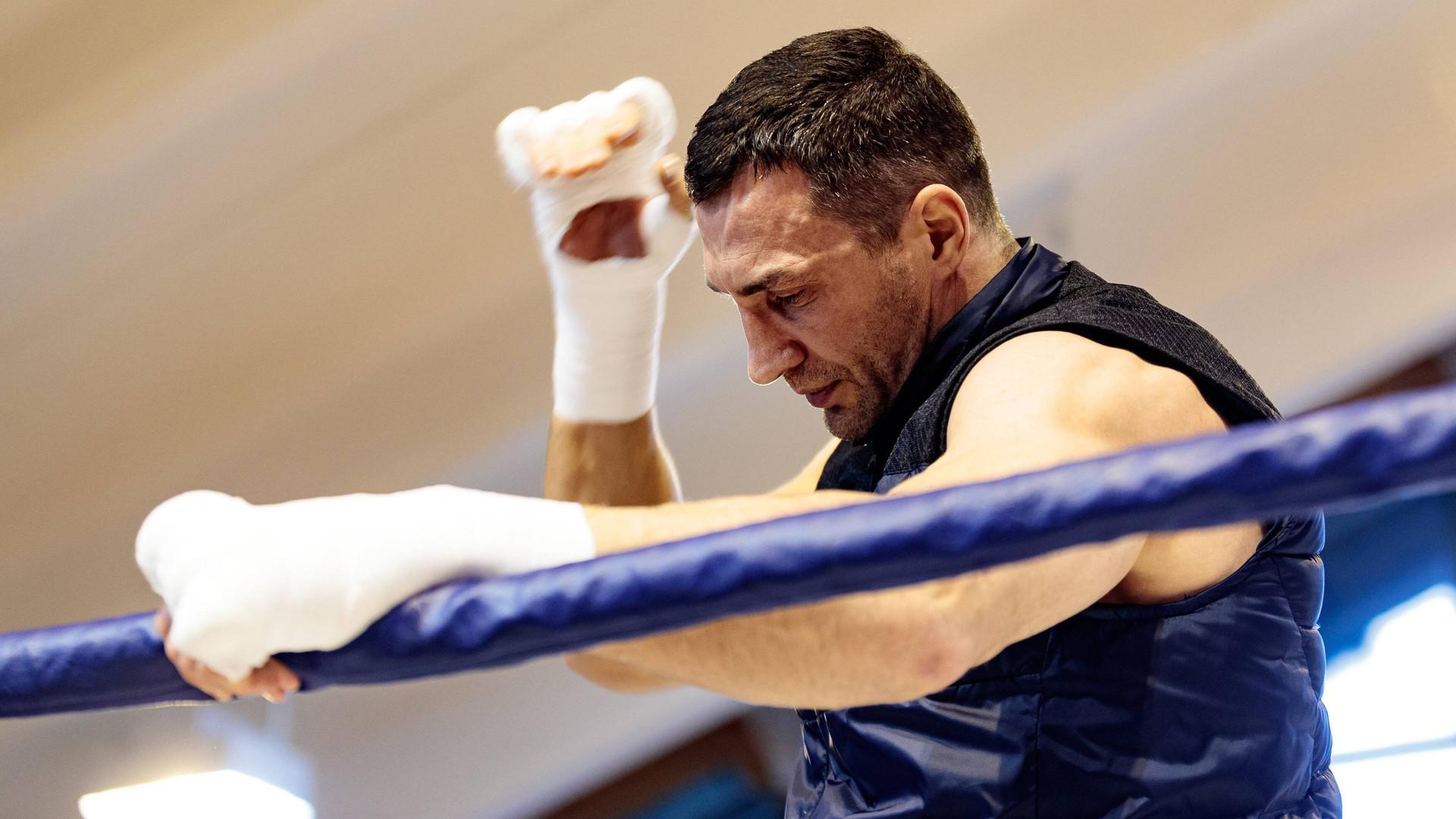 «Он отдал боксу всё»: как в мире спорта отреагировали на заявление Кличко о завершении карьеры