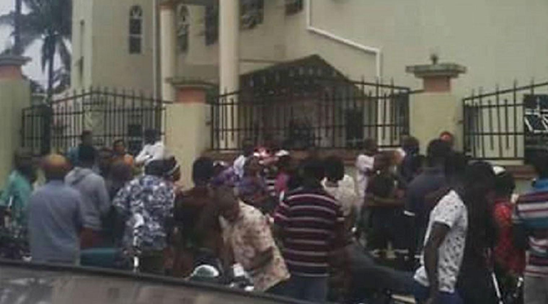 В Нигерии уточнили число погибших при атаке на католическую церковь