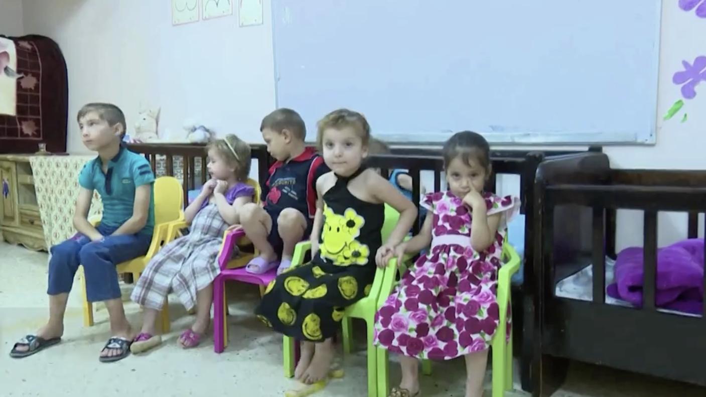 «Эта история разбила мне сердце»: RT получил десятки писем от желающих усыновить российских сирот из Ирака