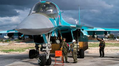 Уничтожили подкрепление: ВКС России разбомбили направлявшуюся к Дейр эз-Зору колонну боевиков ИГ