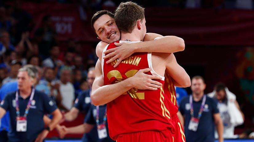 Победа на характере: Россия обыграла Грецию и вышла в полуфинал Евробаскета