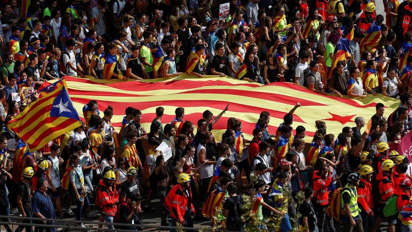 Поле битвы — сеть: Ассанж заявил о начале первой интернет-войны между испанскими властями и Каталонией