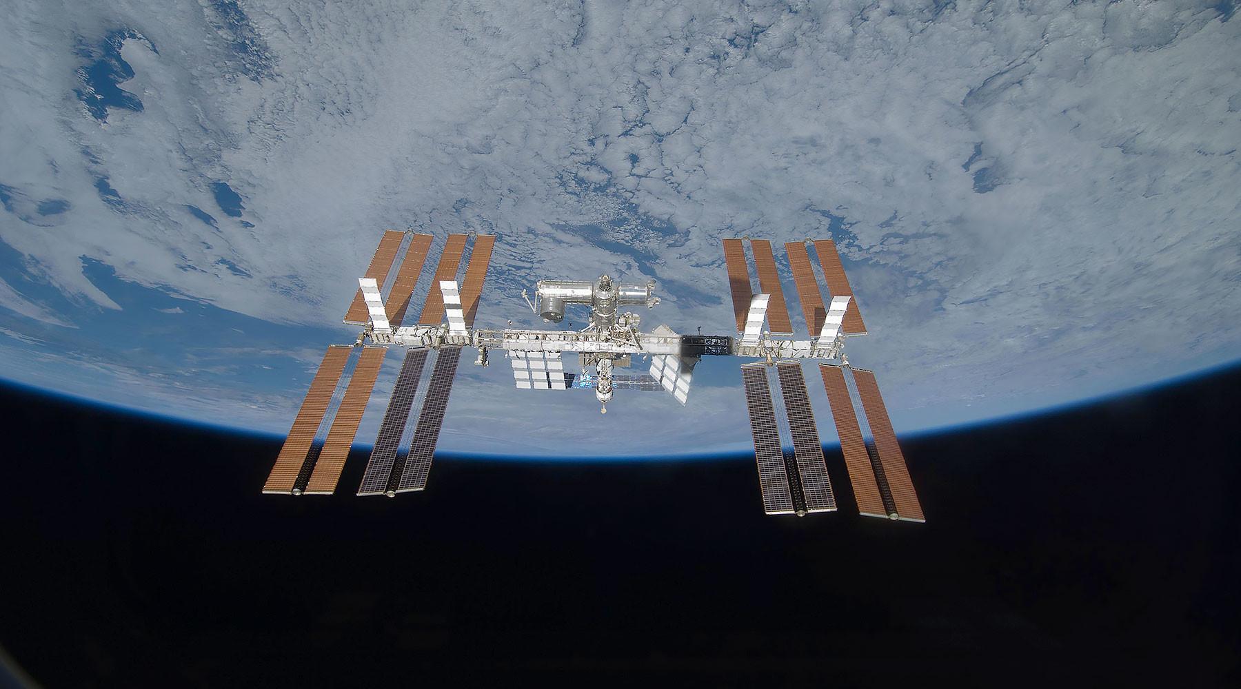 Команда «Алерт»: экипаж МКС укрывается от радиации из-за вспышки на Солнце