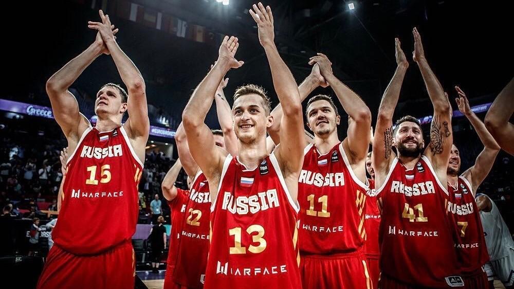 «Наконец-то можем гордиться»: баскетболисты сборной России о победе над Грецией в четвертьфинале Евробаскета