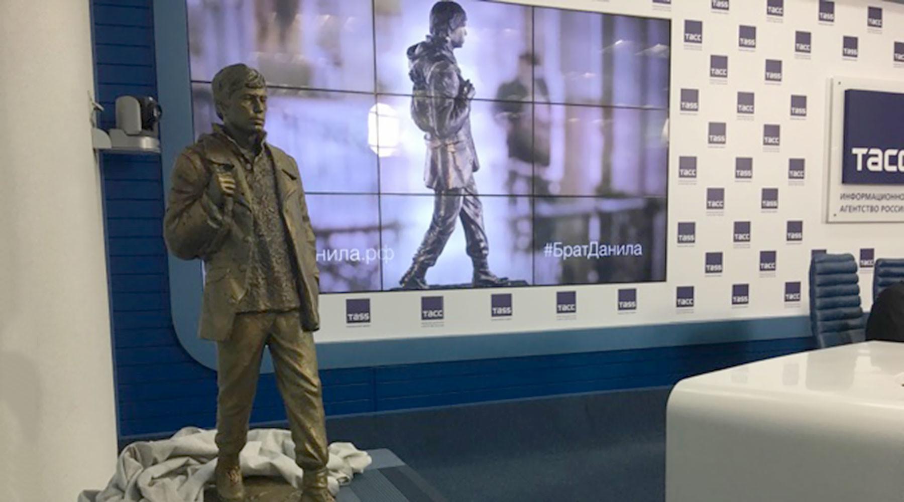 Опубликованы первые фото макета памятника Даниле Багрову