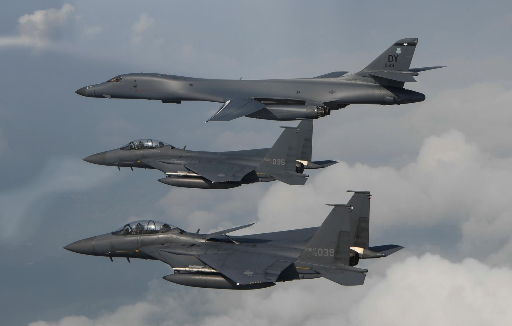«Демонстрация решимости»: американские бомбардировщики пролетели вдоль береговой линии Северной Кореи