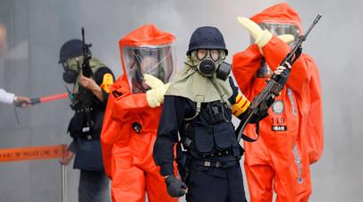 Южнокорейские полицейские и пожарные принимают участие в учениях по борьбе с терроризмом и безопасности в Сеуле, Южная Корея