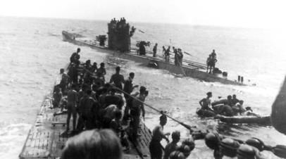 Перевозка пленных с парохода «Лакония»