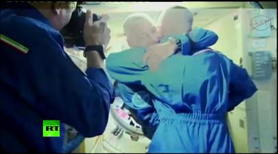 На МКС встретили экипаж корабля «Союз МС-06»