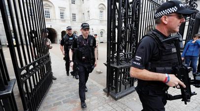 Вооруженные полицейские в Лондоне