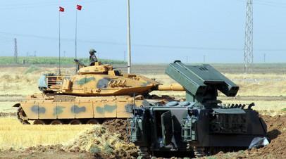 Турецкий военный возле границы Турции и Ирака