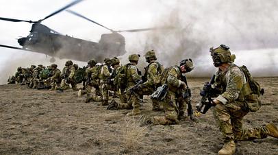 Американские военные во время учений, Калифорния