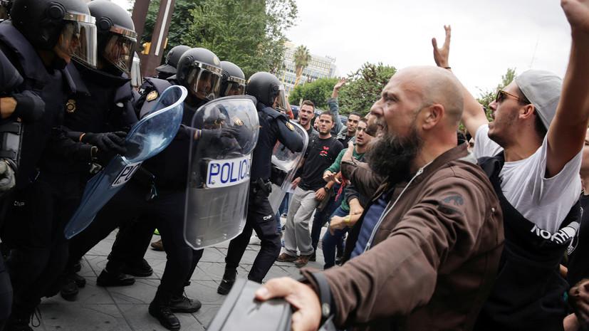 Власти Каталонии сообщили о 460 пострадавших в столкновениях с полицией