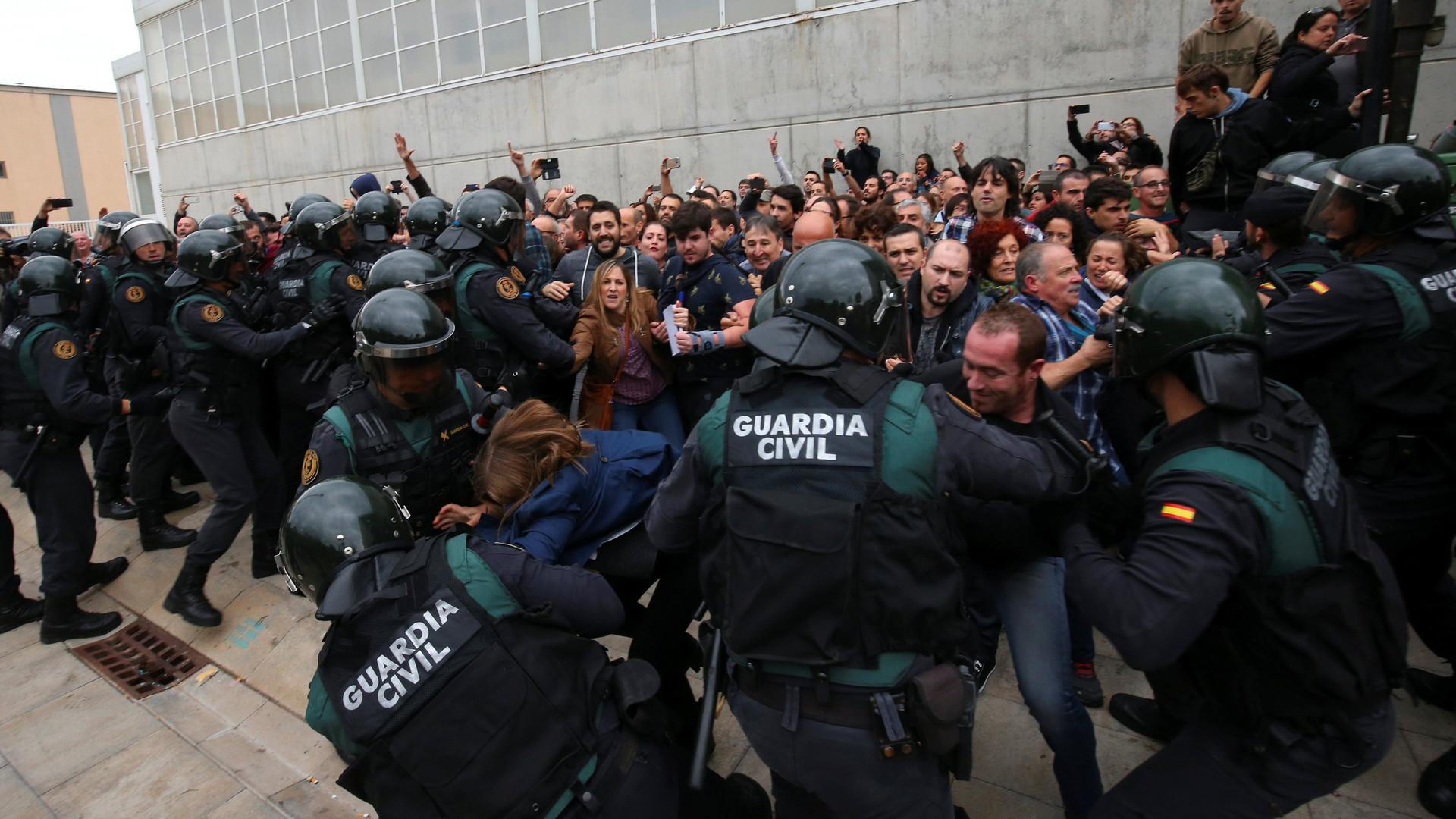 «Репрессии и насилие государства»: власти Каталонии сообщили о 337 пострадавших в столкновениях с полицией
