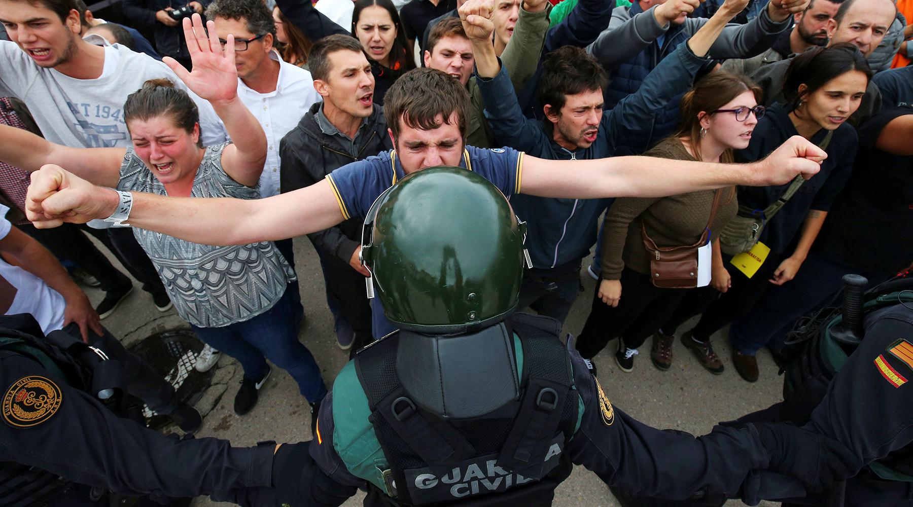 «Референдума не было»: как Мадрид и Брюссель пытаются закрыть глаза на голосование в Каталонии