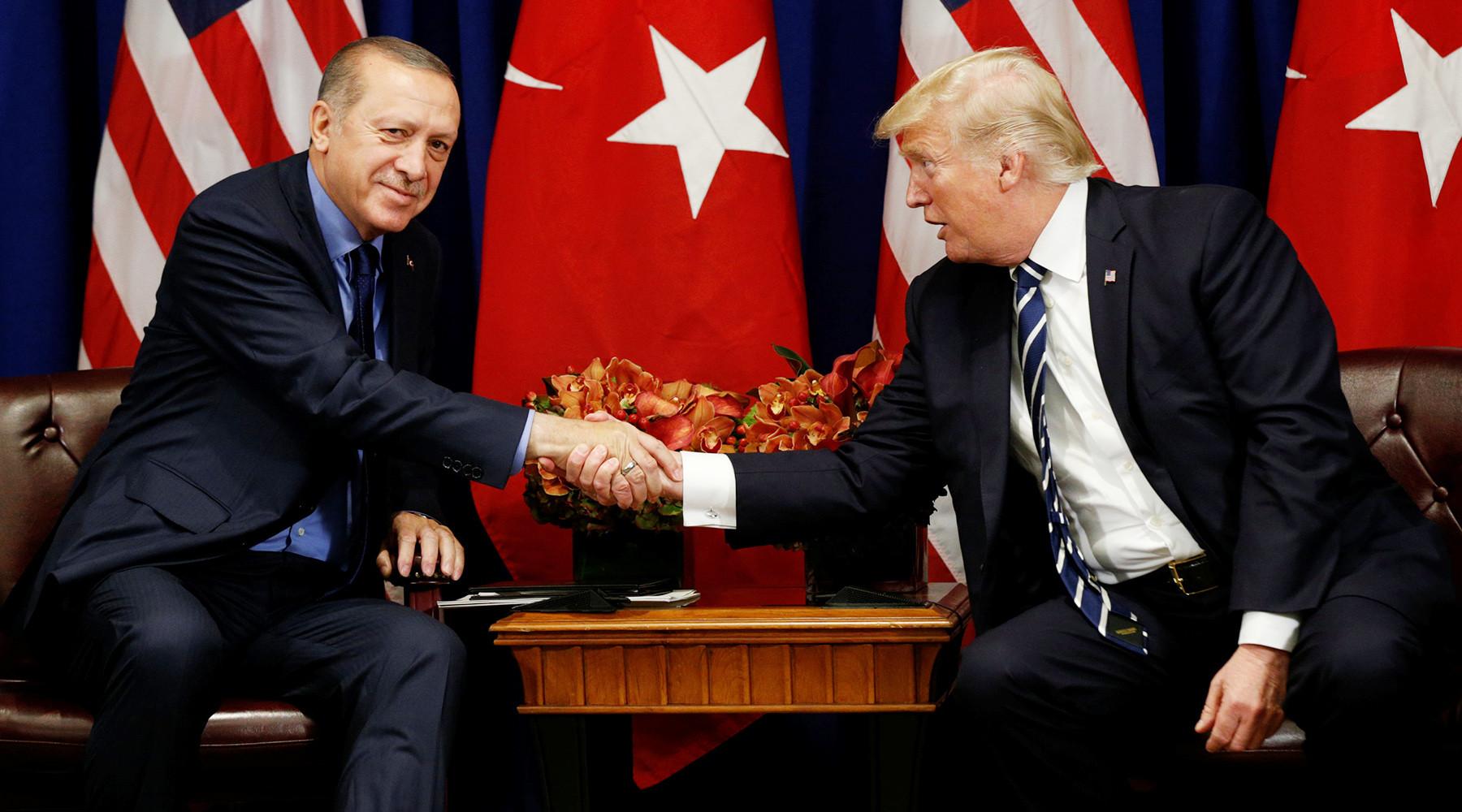 Почему испортились отношения США и Турции
