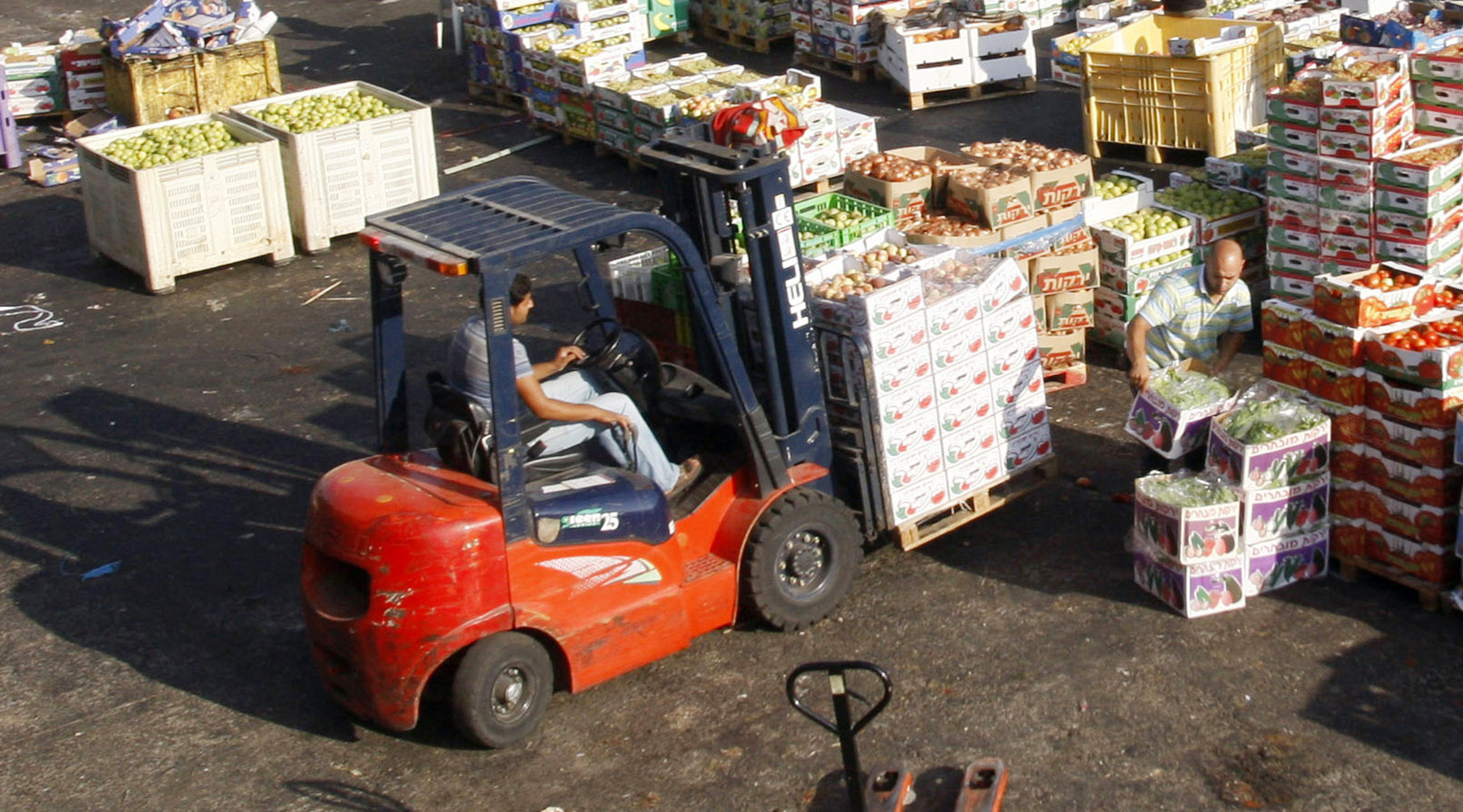 Россия позволит четырём турецким предприятиям поставлять томаты на свой рынок