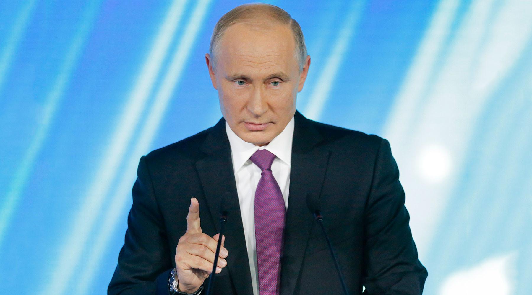 Путин пообещал зеркальный ответ на меры США против RT