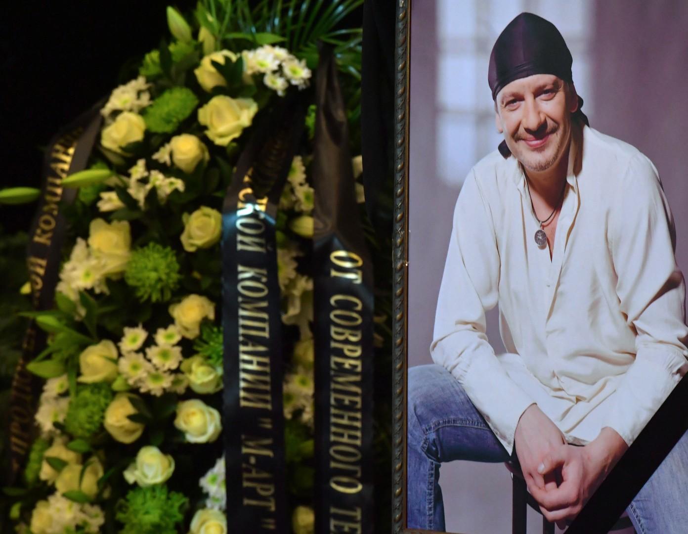 «Несвоевременная помощь»: следствие назвало основные версии причины смерти актёра Марьянова