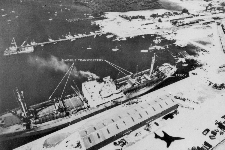 как Хрущёв и Кеннеди остановили ядерную войну