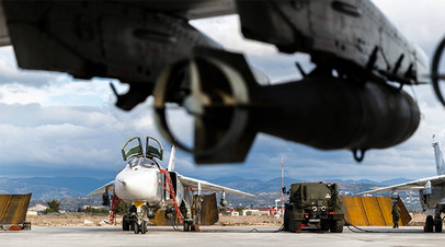 Самолёты ВКС РФ на авиабазе Хмеймим в Сирии.