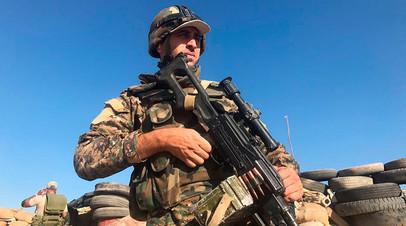 Боец сирийской армии во время наступления
