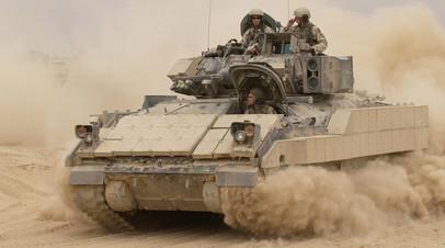 M2A2 Bradley на оперативно-тактической базе «Маккензи» в Ираке 30 октября 2004 года